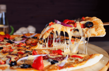 How To Make A Pizza In The Pizzeria Pronto Pizza Oven?