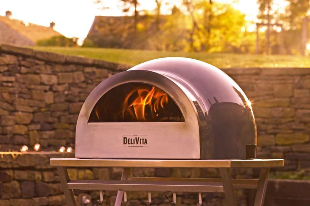 How To Use A Pizza Oven?